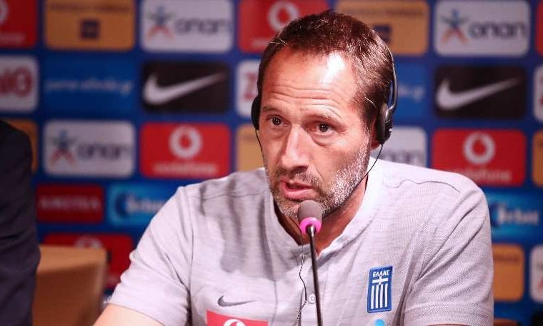 "John van 't Schip states that ""passion has to return to the team"" 1"