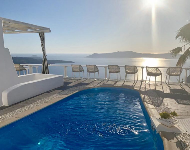 Luxury travel company is offering to pay someone to travel around Greece, taking Insta pics 22