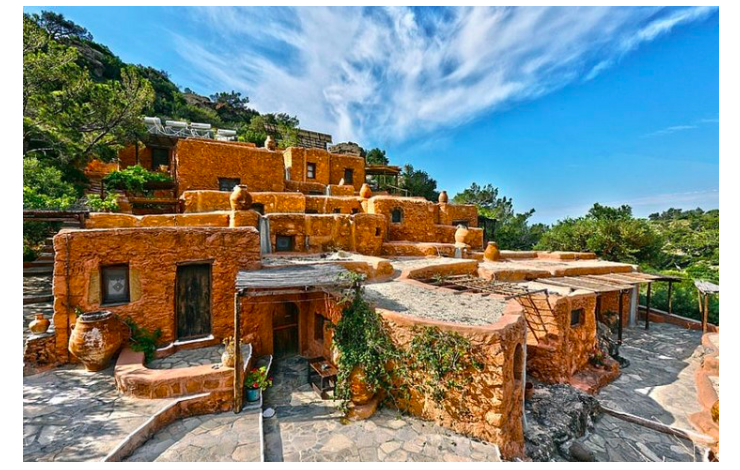 Experience 'village life' in traditional Cretan villas   20