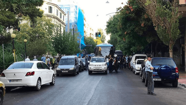 Police remove over 230 illegal migrants from Athens squats (VIDEO) 7