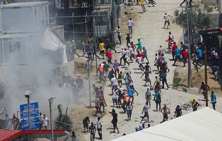 "Migrants in Lesvos attack firefighters and scream ""Kill Police"" during riots at Moria Camp 14"