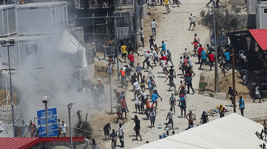 "Migrants in Lesvos attack firefighters and scream ""Kill Police"" during riots at Moria Camp 2"