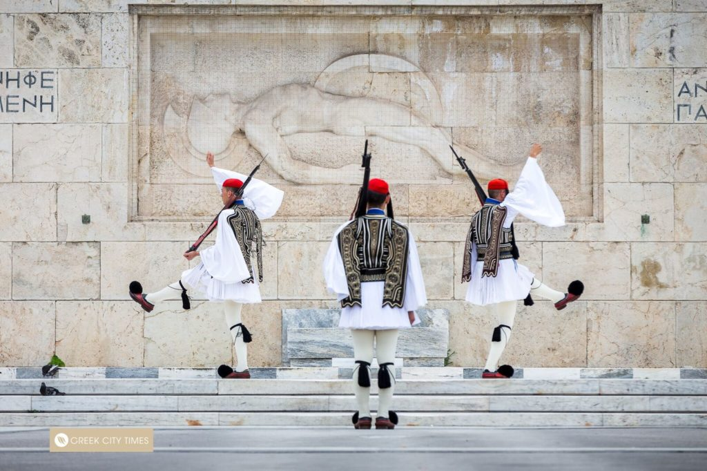 Exploring the Centre of Athens in Two Days 11