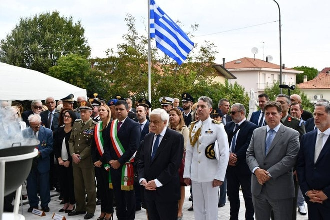 Greek President honours Greek soldiers who died in Italy during WWII 2