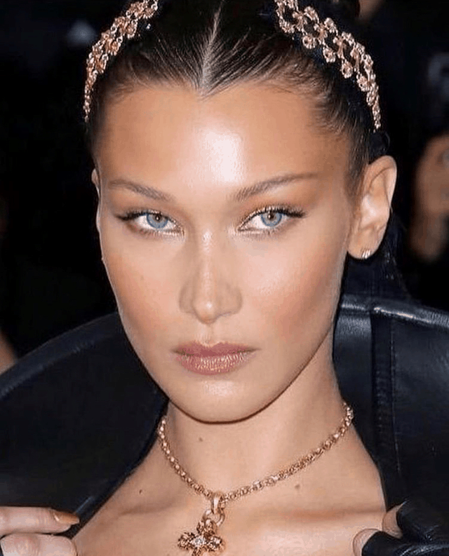 Bella Hadid, rated the most beautiful woman in the world according to Ancient Greeks 4