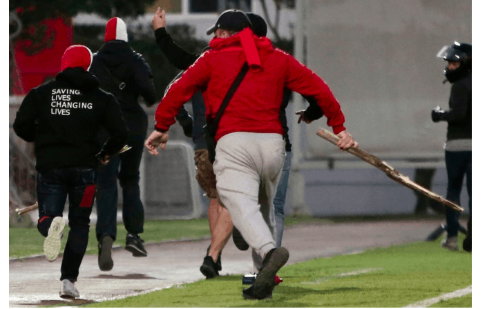 Bayern Munich fans attacked in Athens by Olympiakos supporters (VIDEO) 1