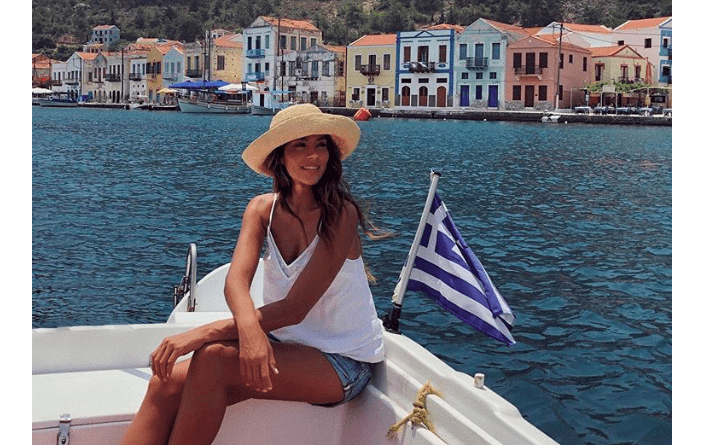 Aussie celebs have fallen in love with Greece 15