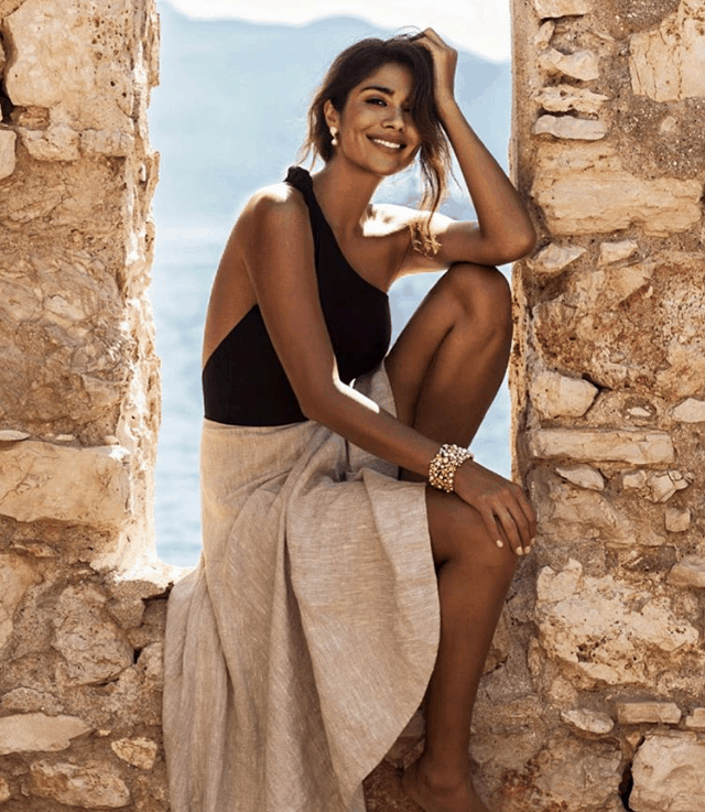 Aussie celebs have fallen in love with Greece 12