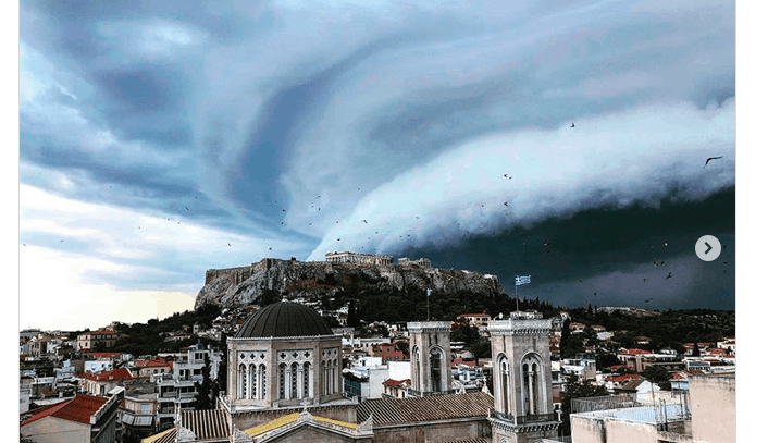 Dramatic shelf cloud rolls over Athens 16