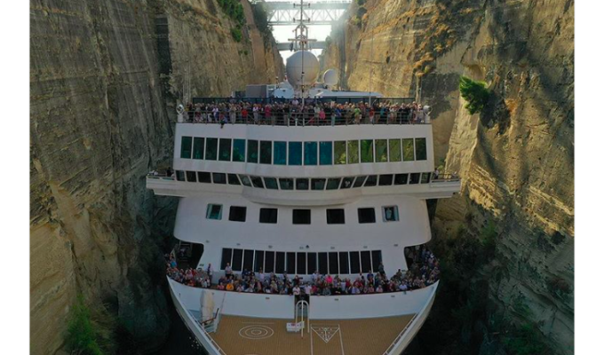 Braemer breaks record becoming largest ship to cross the Corinth Canal (VIDEO) 9