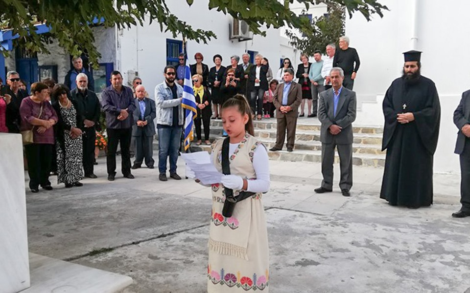 8-year-old student parades alone for 'Oxi Day' celebrations in Apollo 3