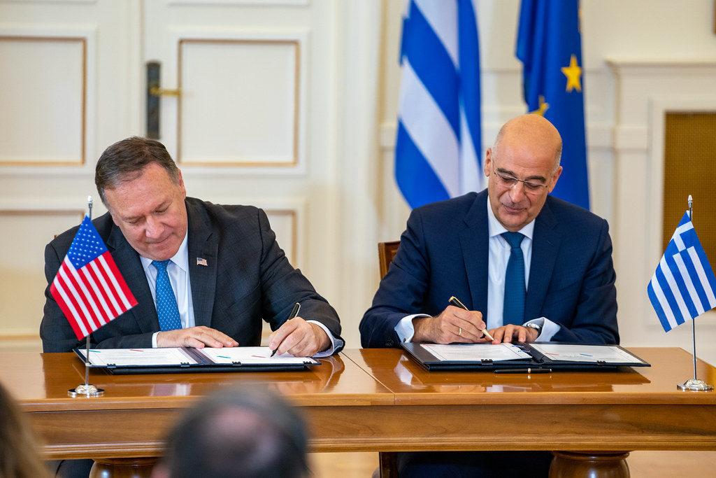 US signs extended Defense Agreement with Greece 2