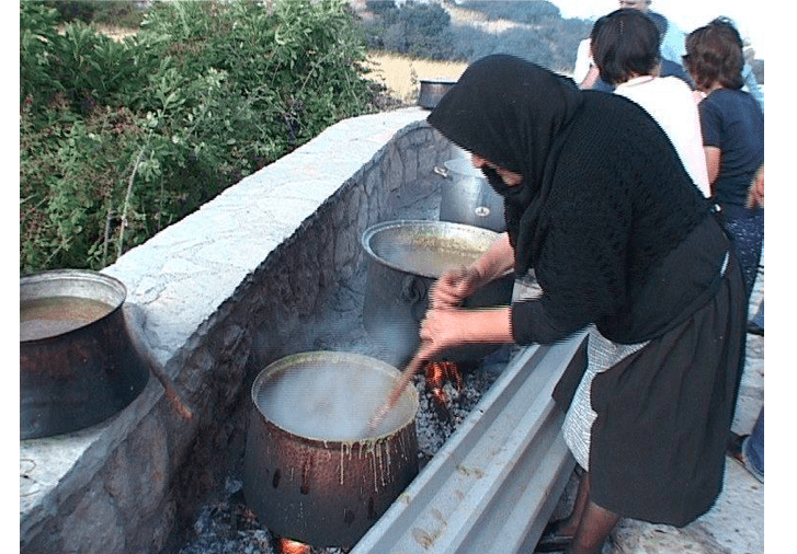Greece's traditional day for cooking Polysporia 4