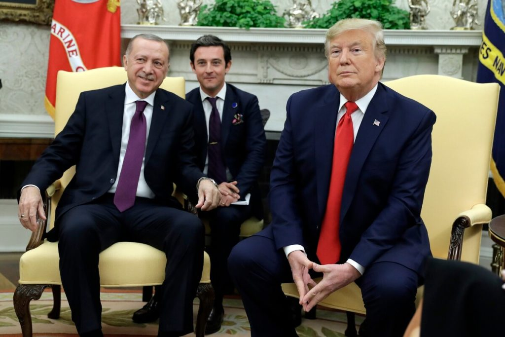"""After a meeting at the White House, Trump reveals he's a """"big fan"""" of Erdogan (VIDEO) 3"""