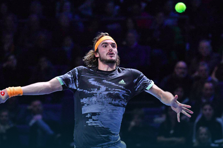 Tsitsipas finally beats Medvedev, at ATP Finals 11