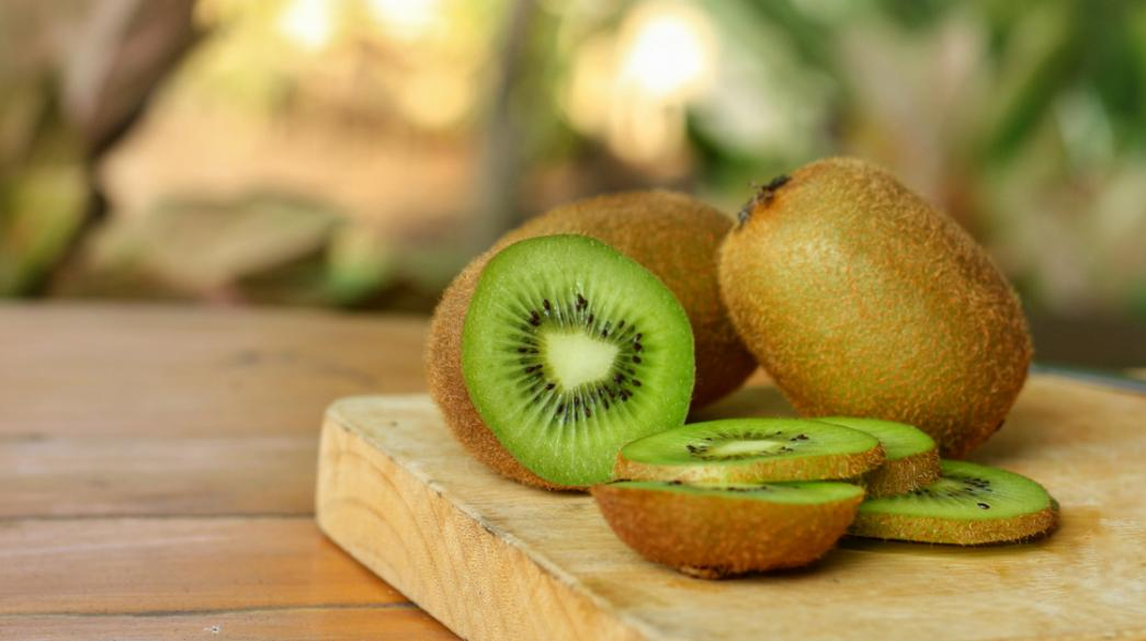 Greece 3rd largest kiwi producer in the world now exports to Thailand - Greek City Times