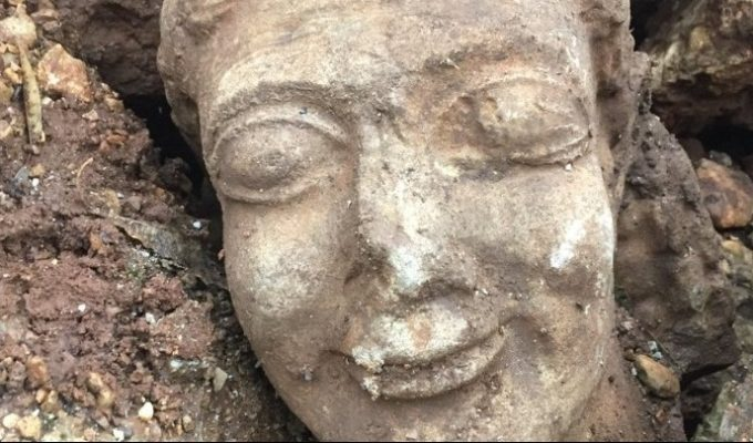 Man arrested after attempting to sell off ancient artefact for 500,000 euros 3