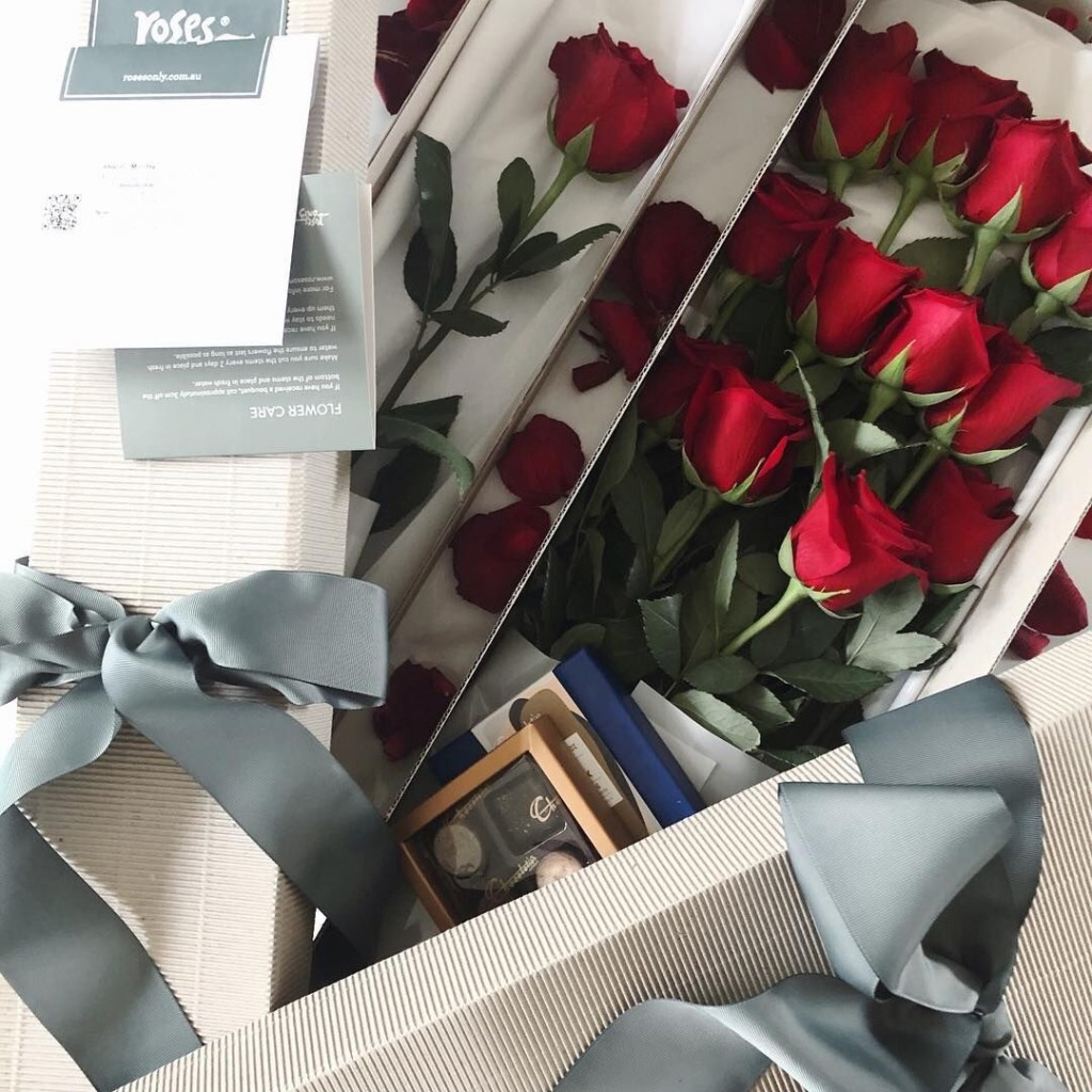 Roses Only Red Roses Gift Box