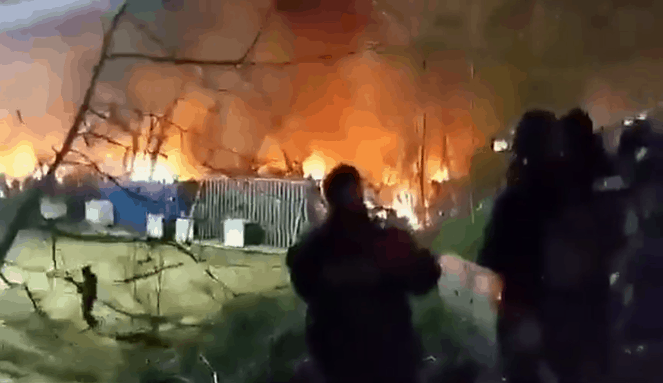 Turkish authorities set fire to camp on Evros border to force illegal immigrants to leave (VIDEO) 1