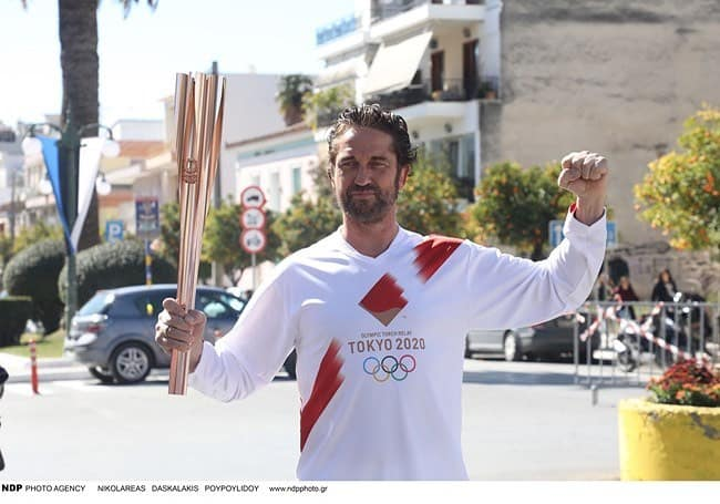 Gerald Butler Olympic flame