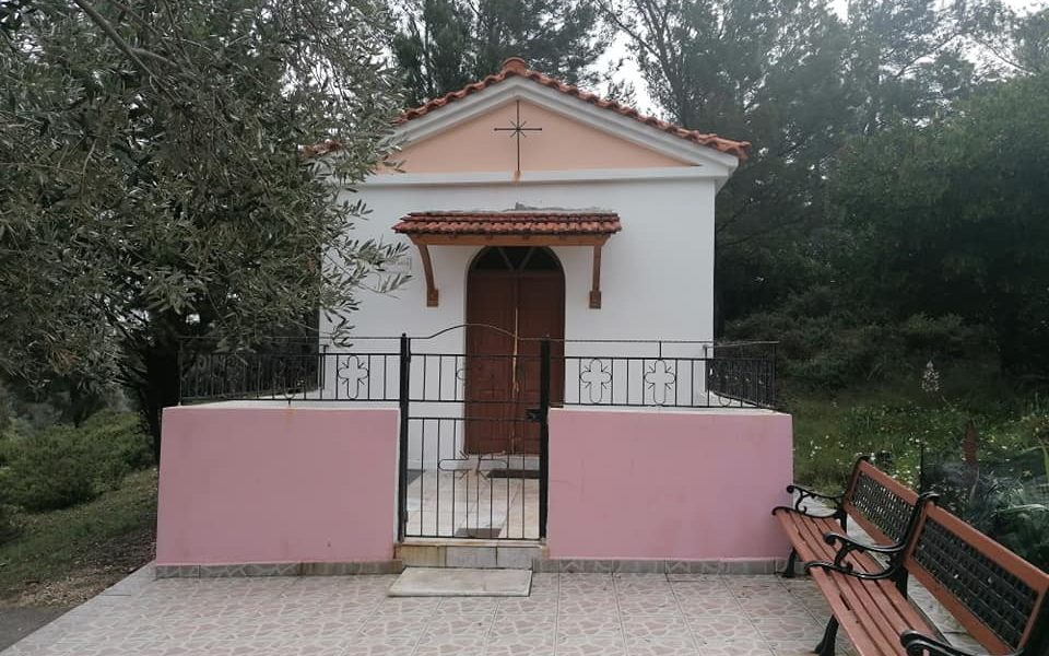 Church on Greek island attacked by illegal immigrants 1