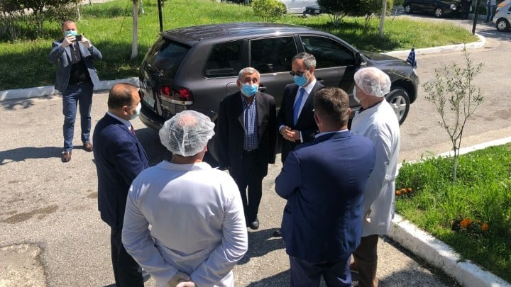 Greece sends desperately needed medical supplies to Greek community in Albania 9