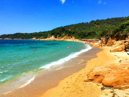 What are the top 5 nudist beaches in Greece? 11