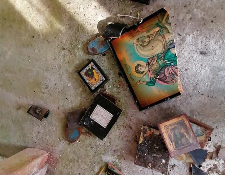 Another church trashed by illegal immigrants on Greek island 1