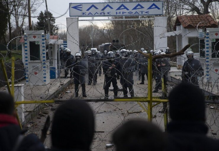 Hundreds more security forces sent to the Greek-Turkish border 6