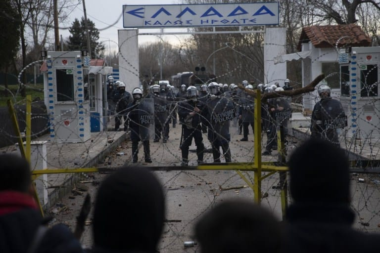 Hundreds more security forces sent to the Greek-Turkish border 1