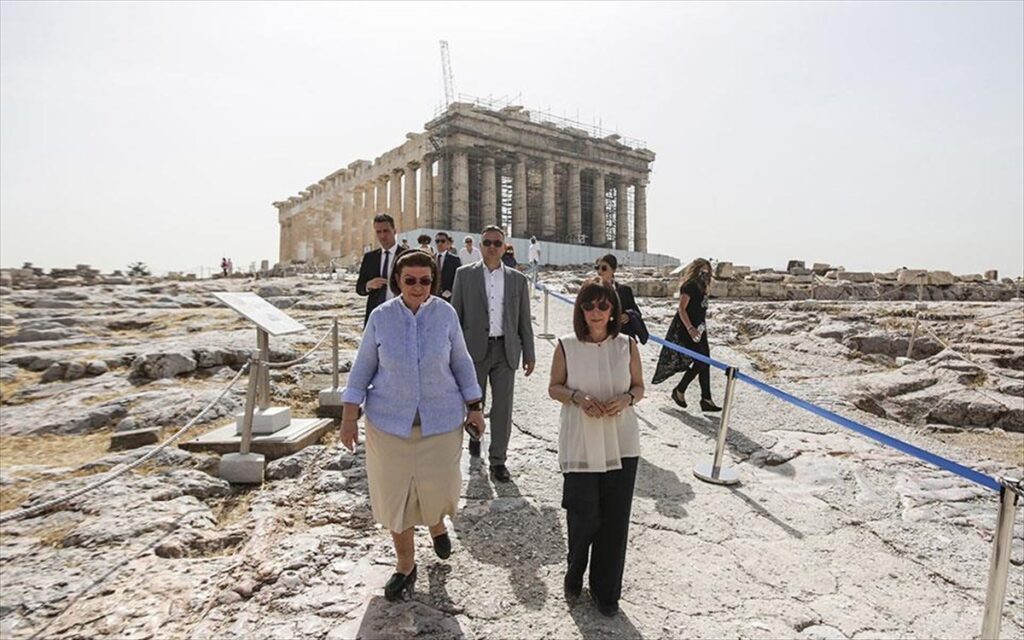 President marks International Museum Day with a visit to the Acropolis 1