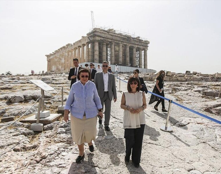 President marks International Museum Day with a visit to the Acropolis 5