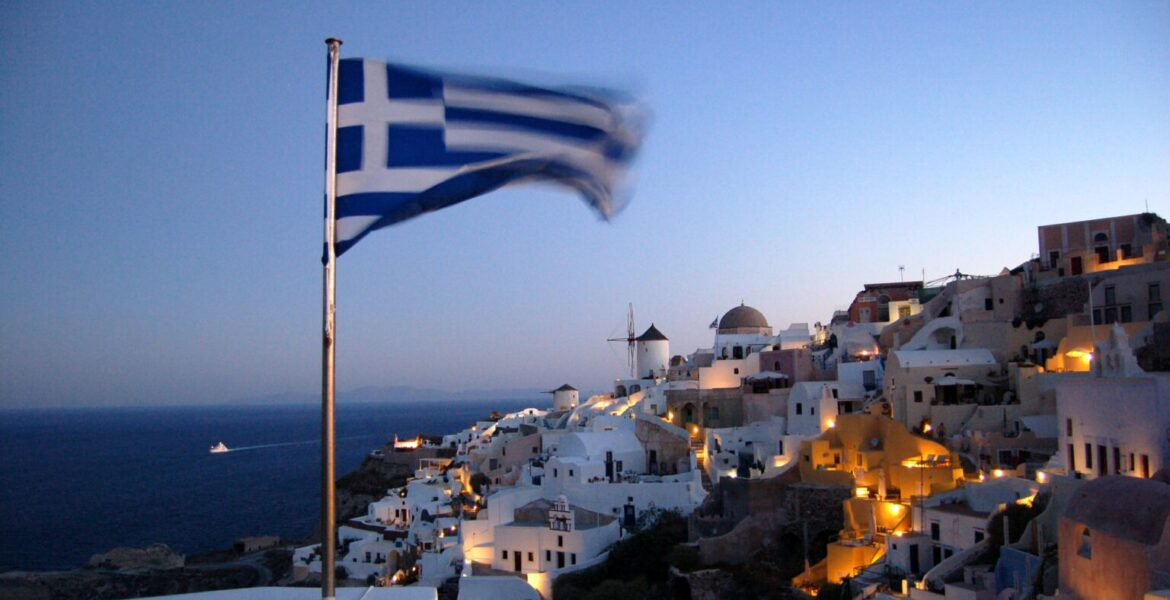 Greece welcomes more tourists this summer 1