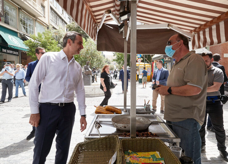 Greek PM walks through Ermou and speaks to shopkeepers & citizens 4