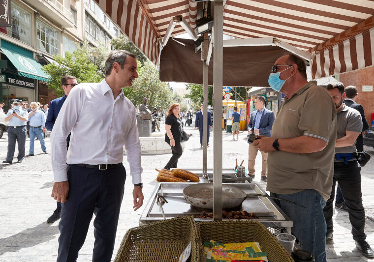 Greek PM walks through Ermou and speaks to shopkeepers & citizens 3