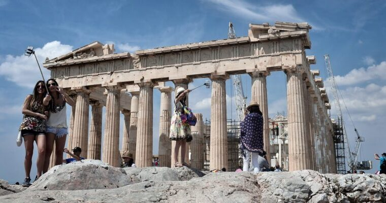 How Greek tourism may evolve in Covid-19 reality 1