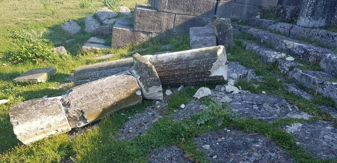 Vandals attack Ancient Greek site in Albania 1