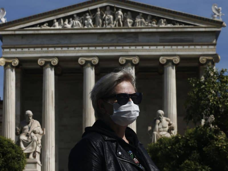 Rome says that Greece forcing Italian tourists into one week quarantine is wrong 2