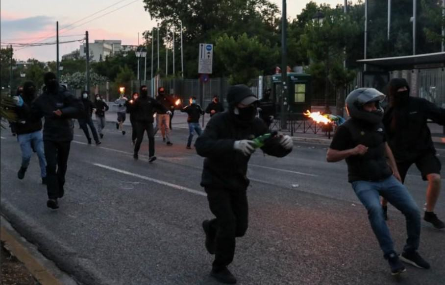 U.S. Embassy in Athens firebombed during protest over the death of George Floyd (VIDEO) 8