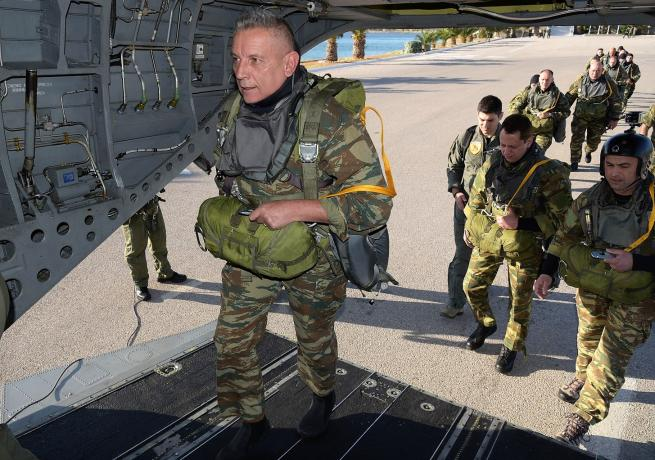 Greek Military Chief participates in training as tensions with Turkey heighten (VIDEO) 10