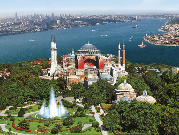 Turkey's governing AKP no longer wants to turn Hagia Sophia into a mosque, for now 8