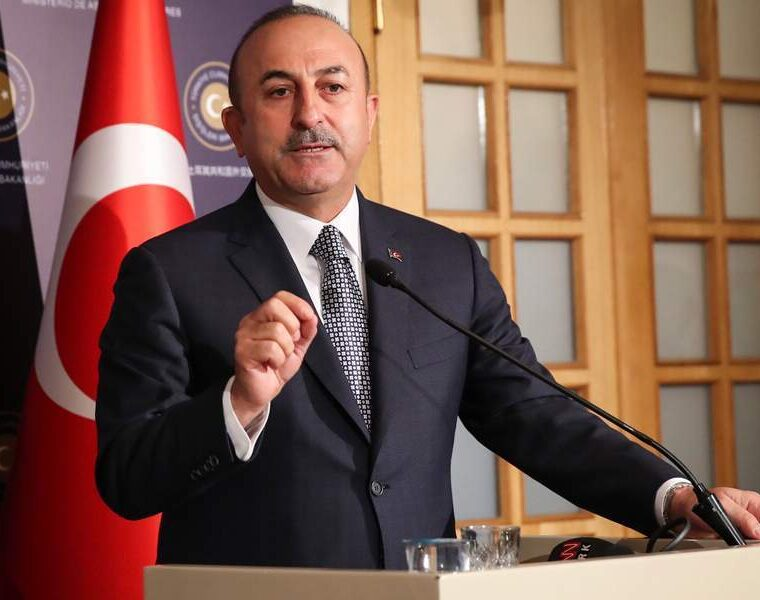Turkish FM expresses anger that Greece adheres to international law with the maritime zones 7