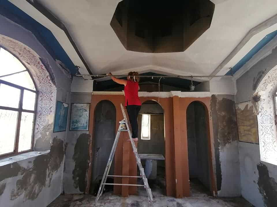Volunteers restore church in Lesvos trashed by illegal immigrants 14