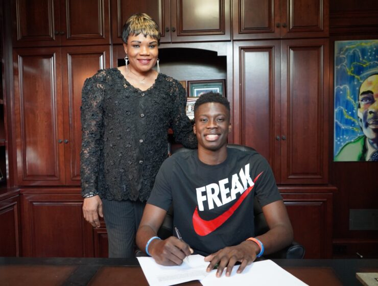 Alex Antetokounmpo signs a three-year deal with Murcia