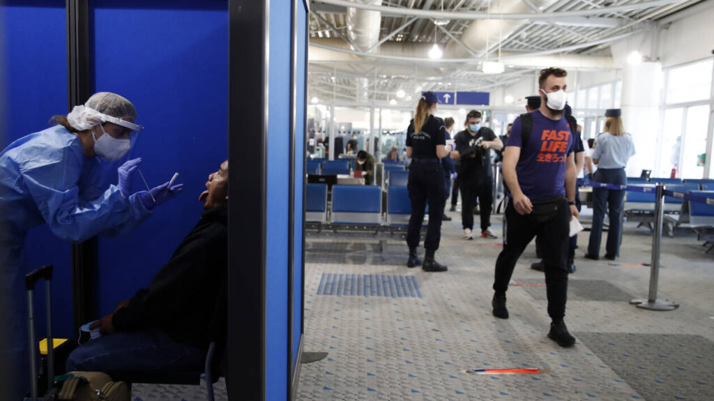 'Barcode' determines if traveller will be tested at Greek airports
