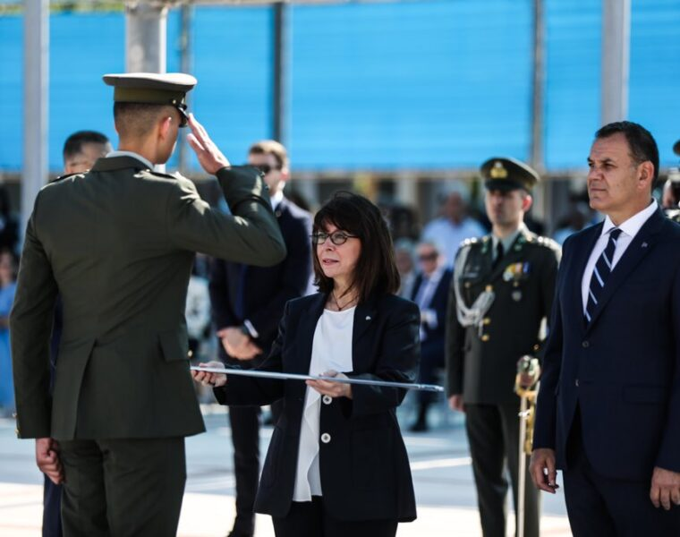 New second lieutenants of the Greek Army sworn in 15