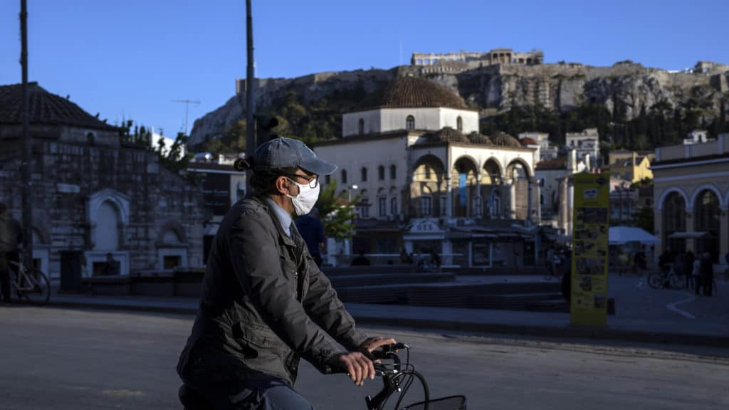 What does the latest coronavirus data show for Greece? 2
