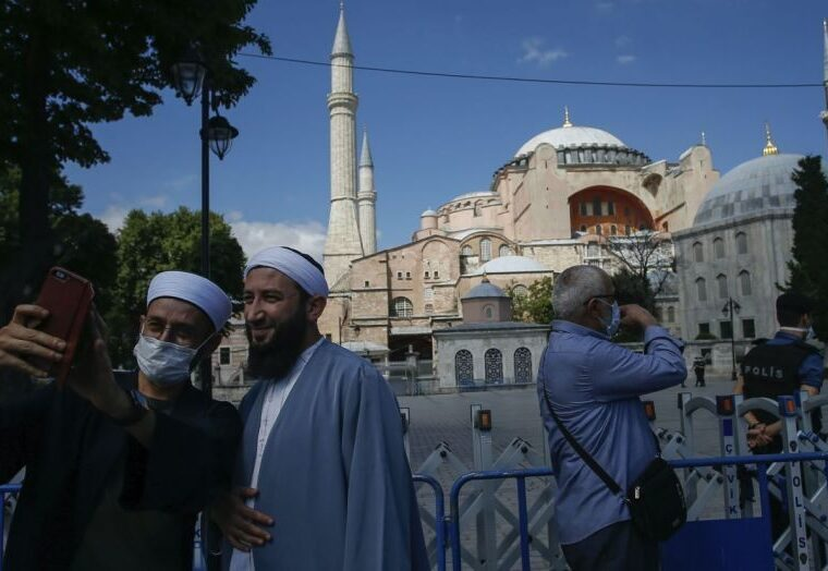 Large majority of Greeks disappointed with how Russia and EU responded to Hagia Sophia conversion 4