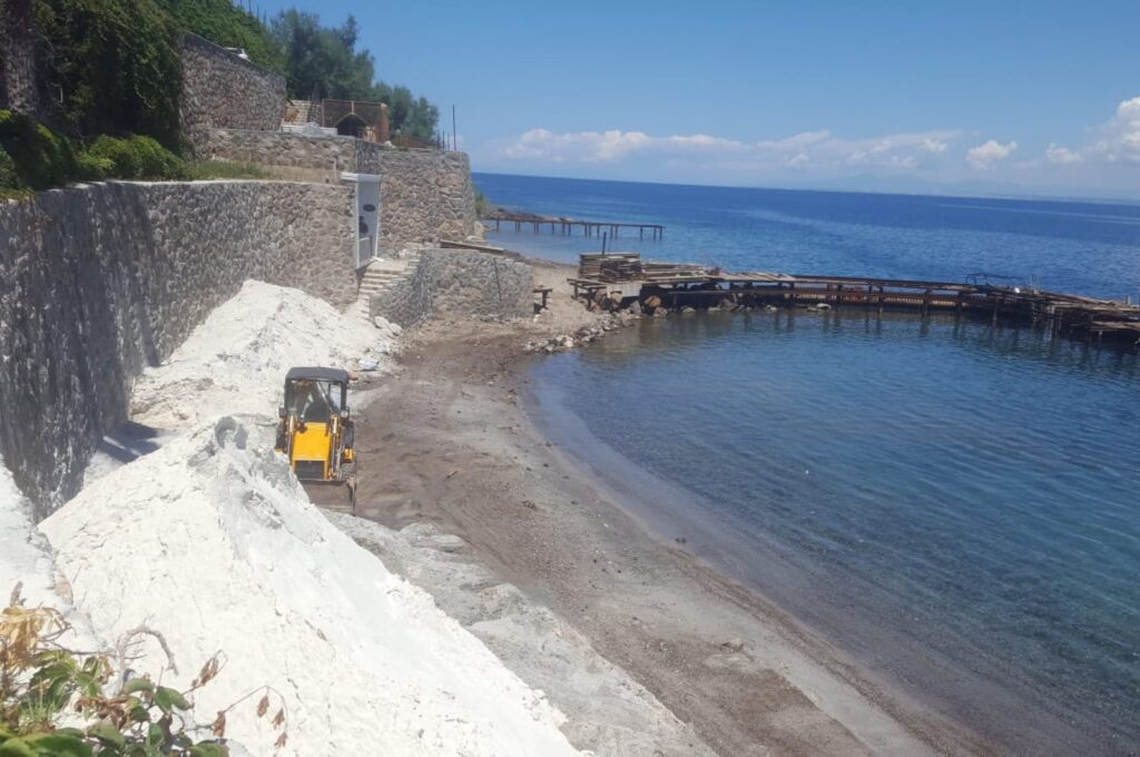 Could fake white sand on Turkish beaches that cause lung disease affect Greek islands? 3