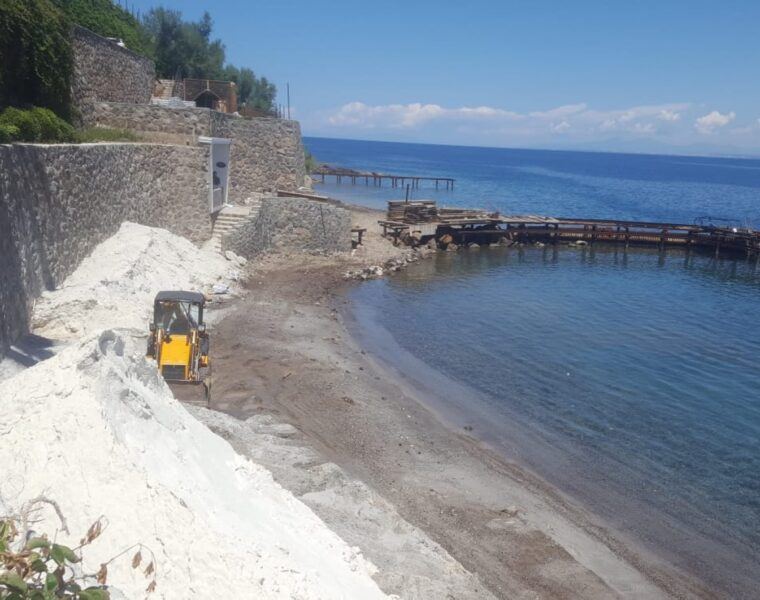 Could fake white sand on Turkish beaches that cause lung disease affect Greek islands? 11